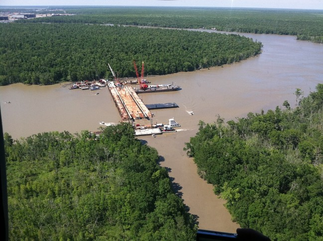 1280px-Governor_Jindal_tours_sinkable_barge_project_in_St._Mary_Parish