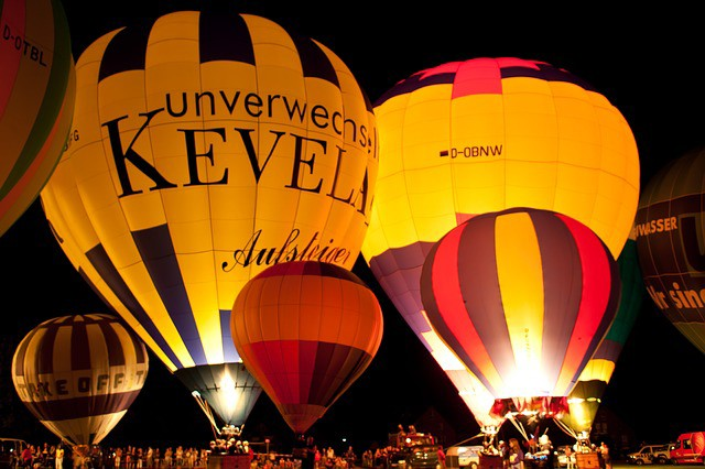 hot-air-balloon-649403_640.jpg
